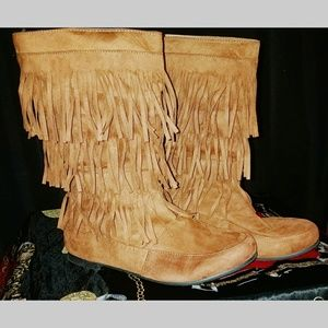 Tan faux suede fringe boot